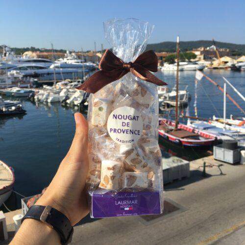 Nougat de Provence - un sachet de nougat artisanal et traditionnel prêt à être dégusté