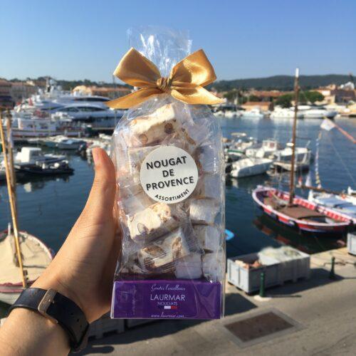 Vente en ligne de nougat traditionnel et artisanal - Photo d'un paquet de nougat prêt à consommer